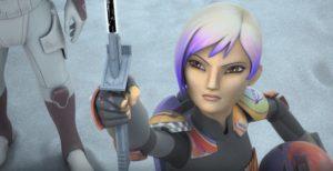 Sabine präsentiert ihrer Familie in <em>Legacy of Mandalore</em> das Dunkelschwert.