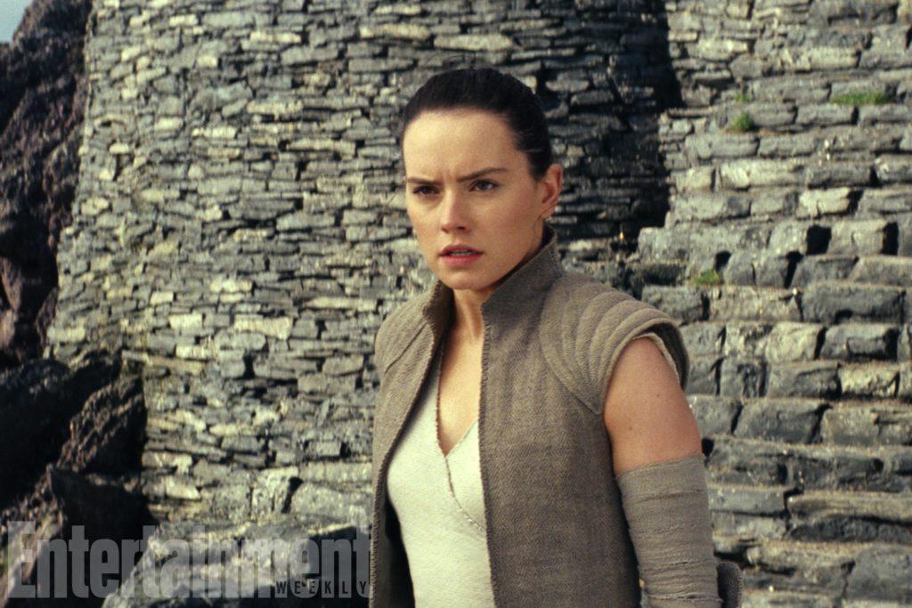 Rey im ersten Jedi-Tempel auf Ahch-To (EW/The Last Jedi)