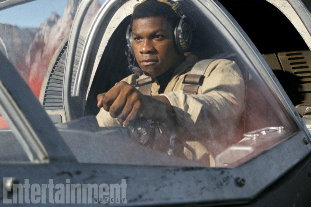 Finn nimmt auf Crait Flugstunden vor seiner Mission mit Rose Tico (EW/The Last Jedi)