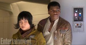 Rose und Finn in <em>Die letzten Jedi</em> (EW/Lucasfilm)